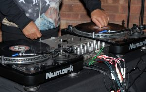 dj-beatmatch-table