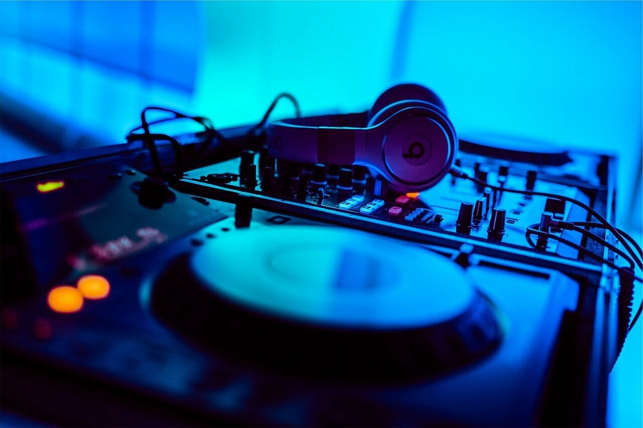 Becoming A DJ | The Ultimate Buyers Guide: 2021